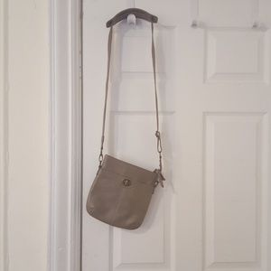 Crossbody bag with lots of pockets